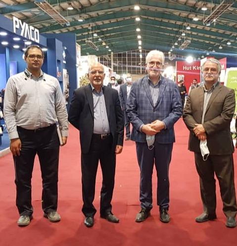 بازدید مدیرعامل نمایشگاه های استان فارس از نمایشگاه بین المللی یزد